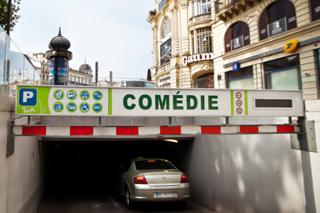 Photo de l'entrée du parking de la Comédie